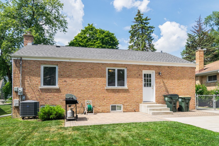 Real Estate Photography - 646 E Clarendon Ave, Arlington Heights, IL, 60004 - Rear View