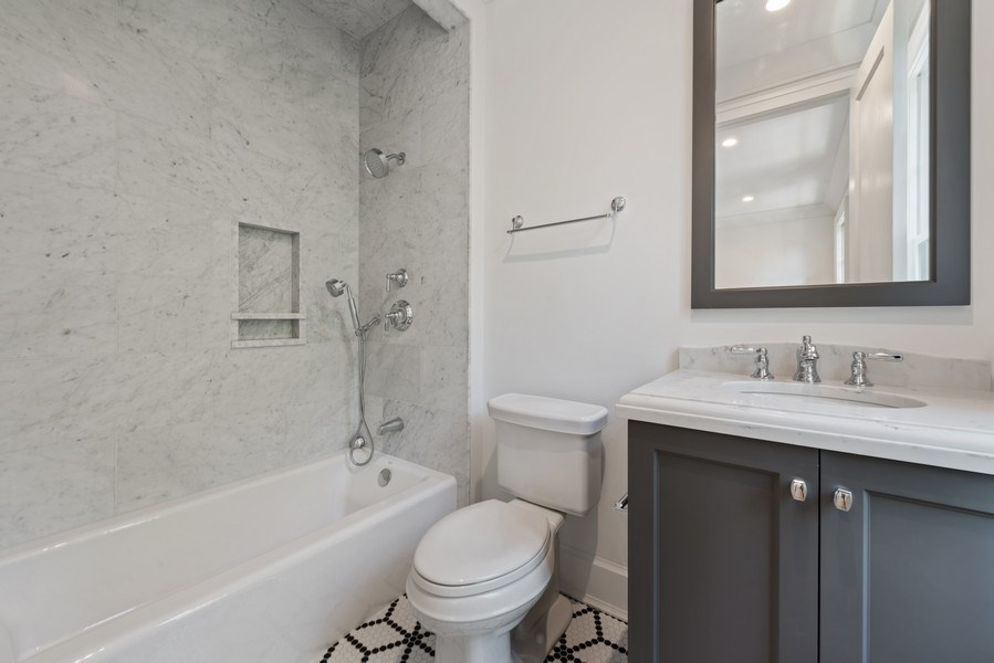 Real Estate Photography - 1942 N Mohawk, Chicago, IL, 60614 - 5th Bathroom
