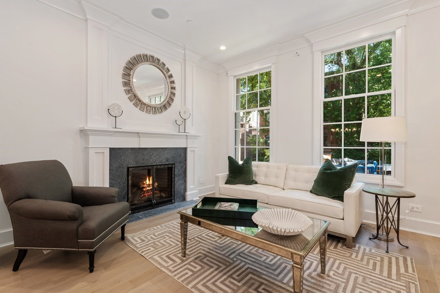 Real Estate Photography - 1942 N Mohawk, Chicago, IL, 60614 - Living Room