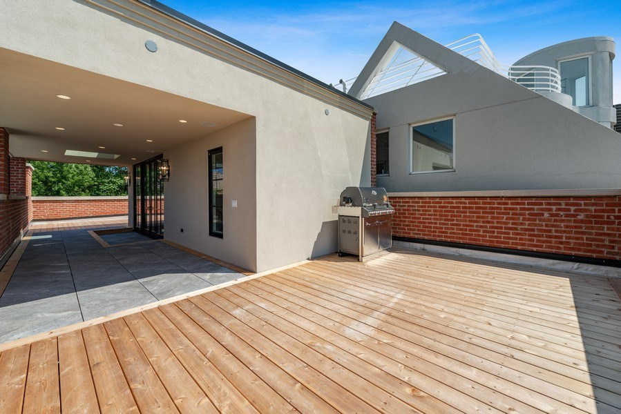 Real Estate Photography - 1942 N Mohawk, Chicago, IL, 60614 - Roof Deck
