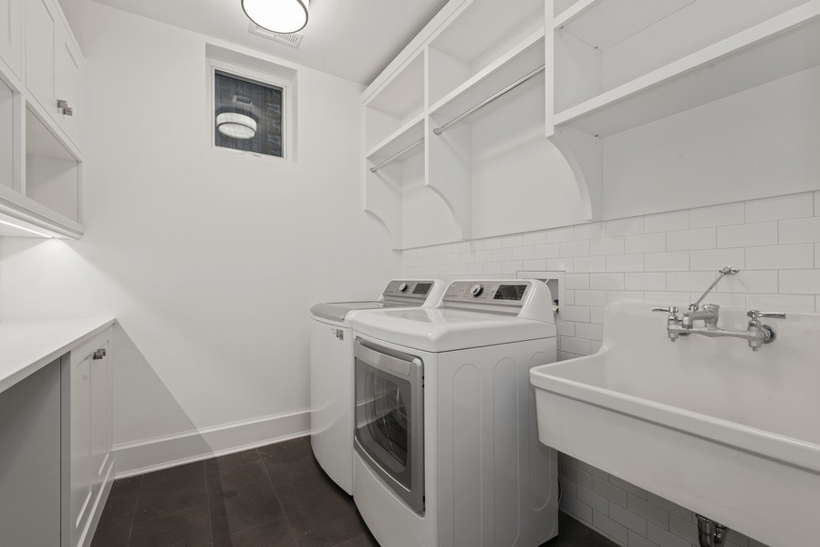 Real Estate Photography - 1942 N Mohawk, Chicago, IL, 60614 - Laundry Room