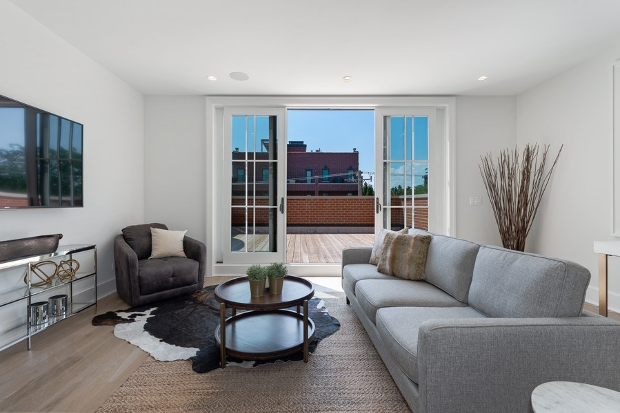 Real Estate Photography - 1942 N Mohawk, Chicago, IL, 60614 - 3rd Floor Family Room