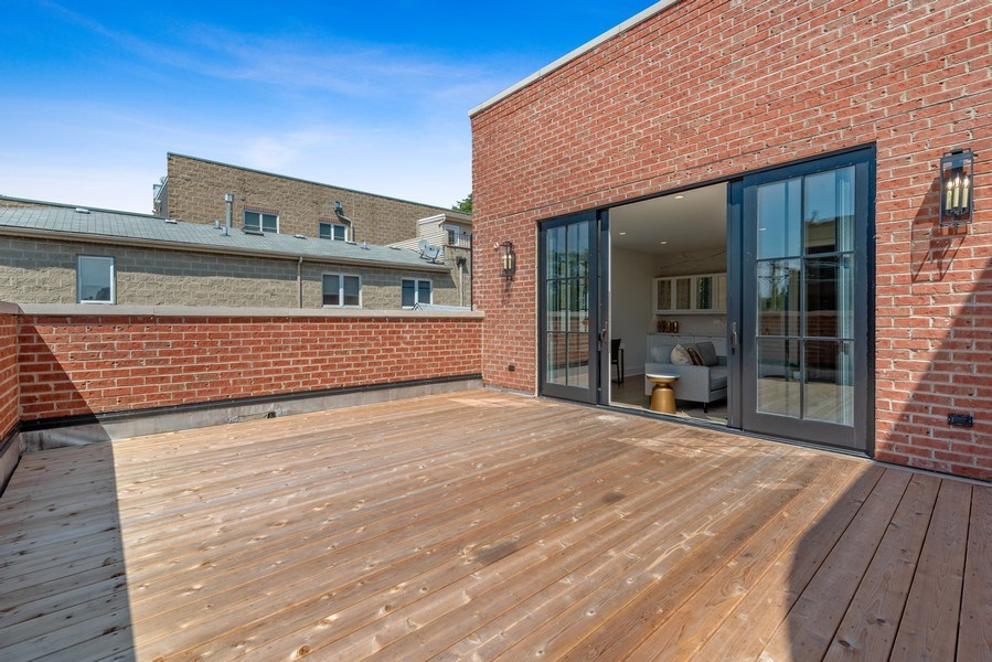 Real Estate Photography - 1942 N Mohawk, Chicago, IL, 60614 - 3rd Floor Deck