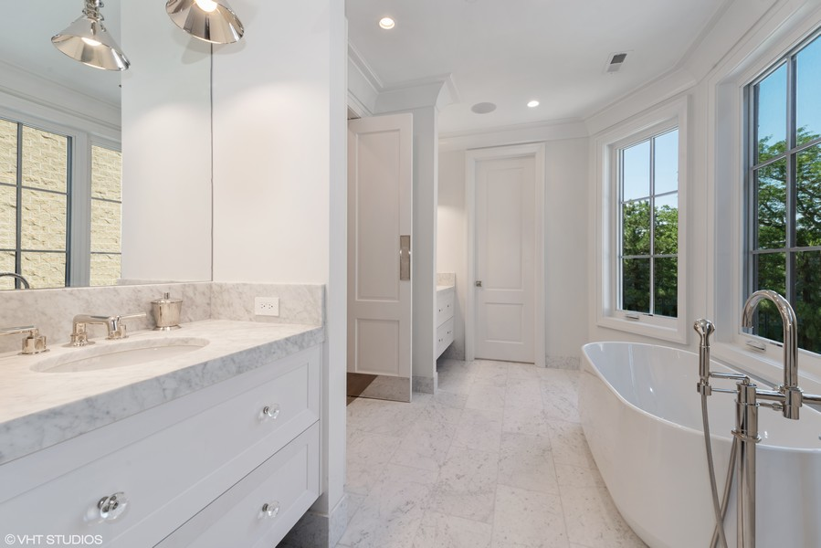 Real Estate Photography - 1942 N Mohawk, Chicago, IL, 60614 - Master Bathroom