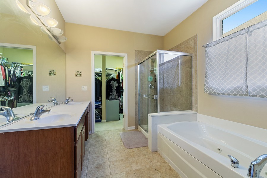 Real Estate Photography - 9252 Dunmore Dr, Orland Park, IL, 60462 - Master Bathroom