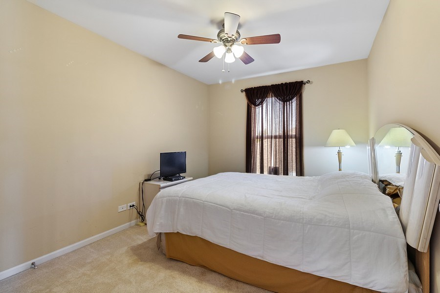 Real Estate Photography - 9252 Dunmore Dr, Orland Park, IL, 60462 - Bedroom
