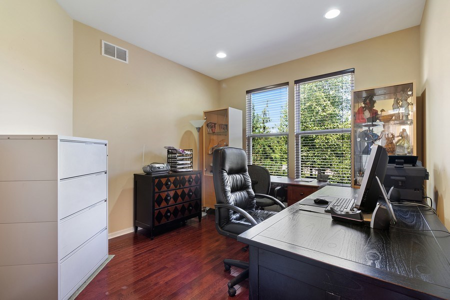 Real Estate Photography - 9252 Dunmore Dr, Orland Park, IL, 60462 - Office