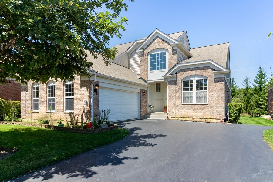 Real Estate Photography - 9252 Dunmore Dr, Orland Park, IL, 60462 - Front View