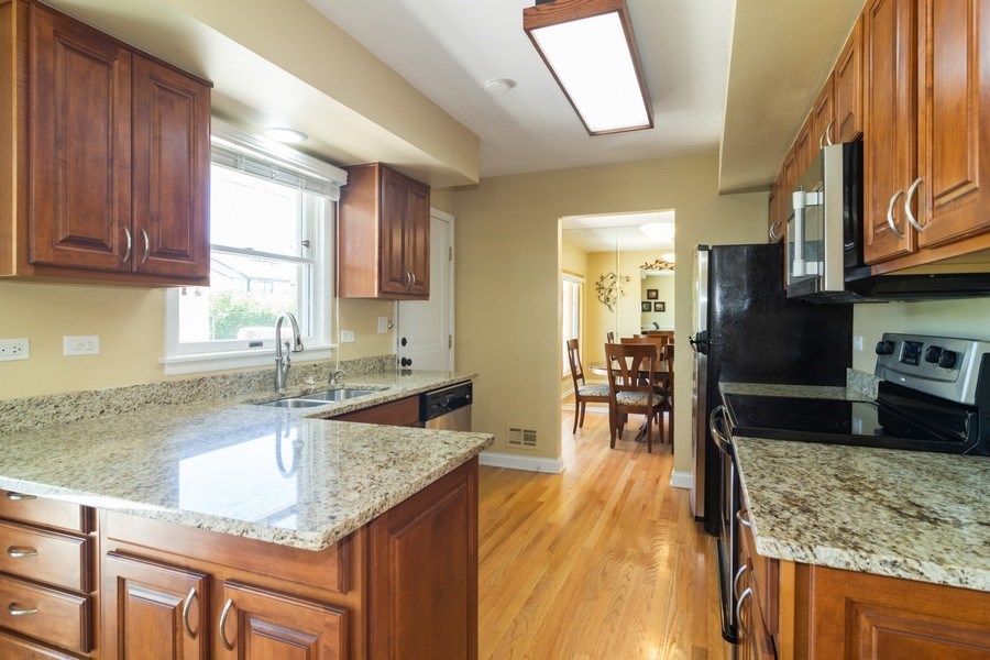Real Estate Photography - 1911 N Burke, Arlington Heights, IL, 60005 - Kitchen