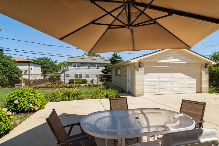 Real Estate Photography - 1911 N Burke, Arlington Heights, IL, 60005 - Patio