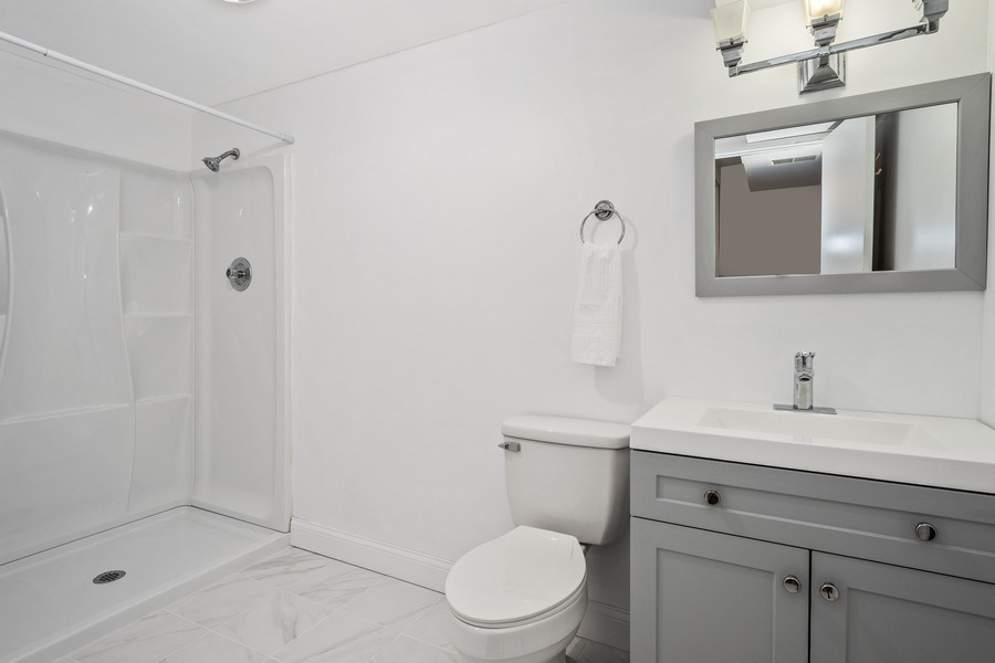Real Estate Photography - 445 S Highland Ave, Arlington Heights, IL, 60005 - 4th Bathroom