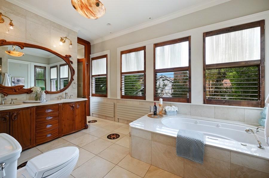 Real Estate Photography - 1225 Sheridan Rd, Evanston, IL, 60202 - Master Bathroom