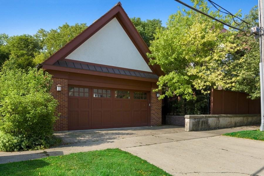 Real Estate Photography - 1225 Sheridan Rd, Evanston, IL, 60202 - 2 Car Detached Garage