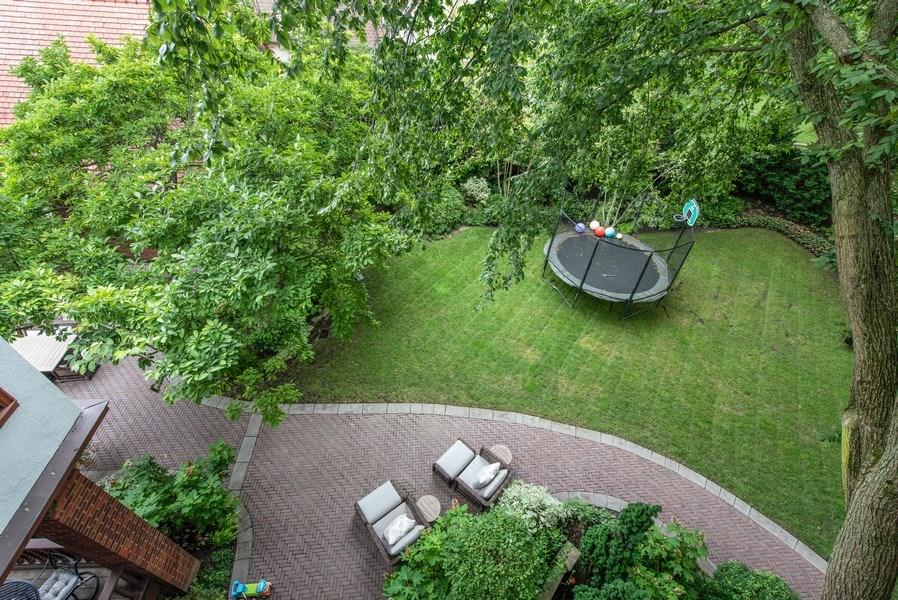 Real Estate Photography - 1225 Sheridan Rd, Evanston, IL, 60202 - Large Backyard Patio