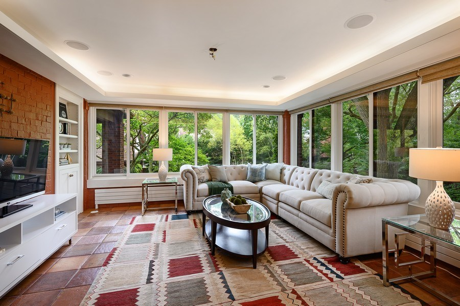Real Estate Photography - 1225 Sheridan Rd, Evanston, IL, 60202 - Cozy Sun Room/Family Room