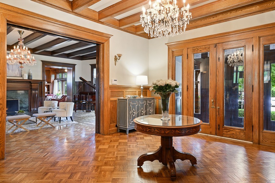 Real Estate Photography - 1225 Sheridan Rd, Evanston, IL, 60202 - Elegant Foyer