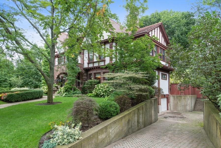 Real Estate Photography - 1225 Sheridan Rd, Evanston, IL, 60202 - 3 Car Underground Garage