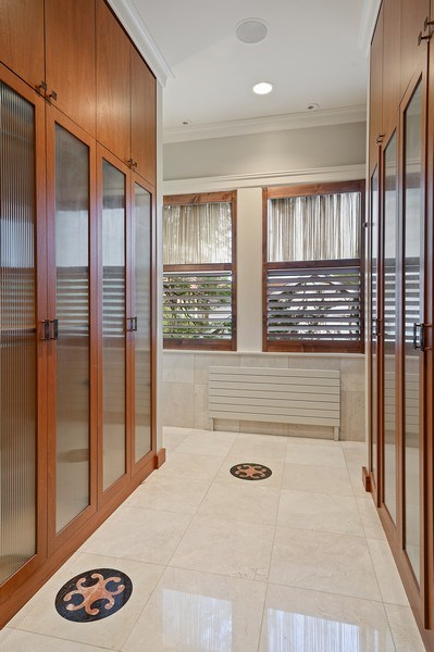 Real Estate Photography - 1225 Sheridan Rd, Evanston, IL, 60202 - Master Dressing Room