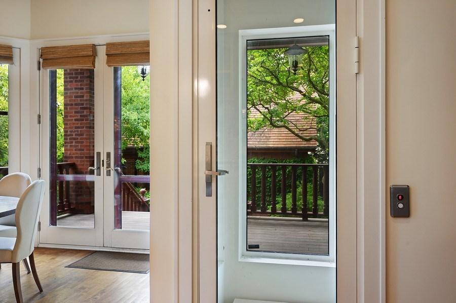 Real Estate Photography - 1225 Sheridan Rd, Evanston, IL, 60202 - Elevator