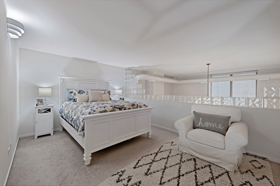 Real Estate Photography - 1130 W Cornelia, Unit M, Chicago, IL, 60657 - Master Bedroom
