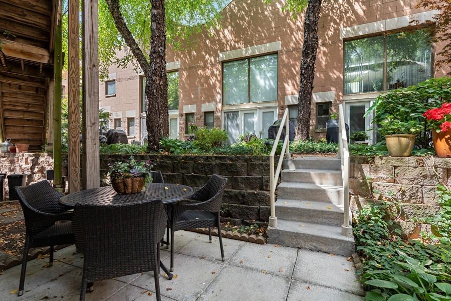 Real Estate Photography - 1130 W Cornelia, Unit M, Chicago, IL, 60657 - Patio
