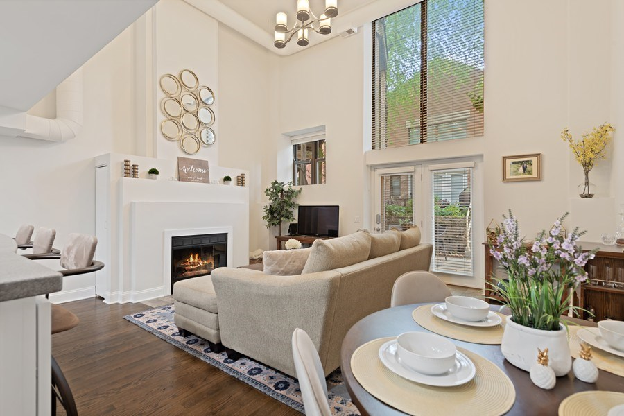 Real Estate Photography - 1130 W Cornelia, Unit M, Chicago, IL, 60657 - Living Room / Dining Room
