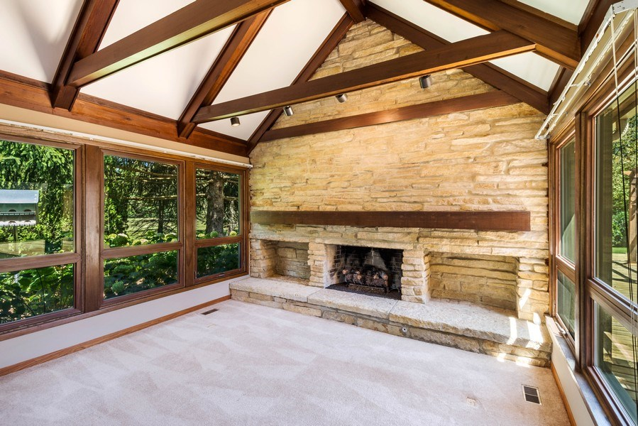 Real Estate Photography - 2185 Inverray Rd, Inverness, IL, 60067 - Living Room