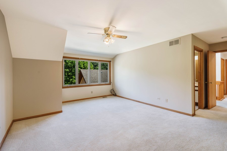 Real Estate Photography - 2185 Inverray Rd, Inverness, IL, 60067 - 2nd Bedroom