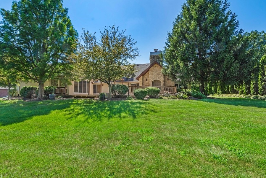 Real Estate Photography - 2185 Inverray Rd, Inverness, IL, 60067 - Rear View
