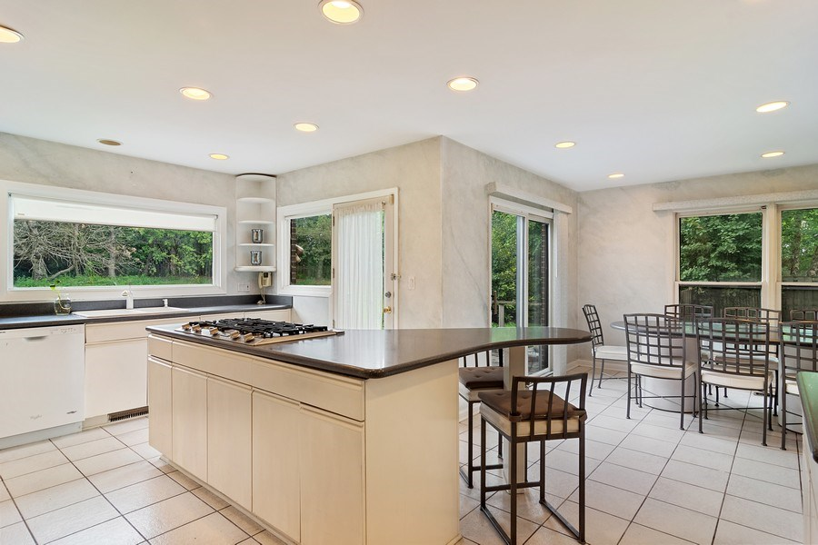 Real Estate Photography - 4007 Lindenwood, Northbrook, IL, 60062 - Kitchen / Breakfast Room