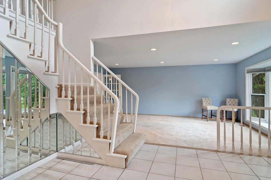 Real Estate Photography - 4007 Lindenwood, Northbrook, IL, 60062 - Foyer
