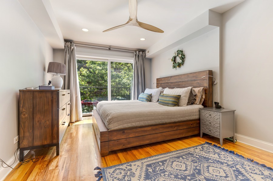 Real Estate Photography - 830 W Bradley Pl, Unit 1S, Chicago, IL, 60613 - Master Bedroom