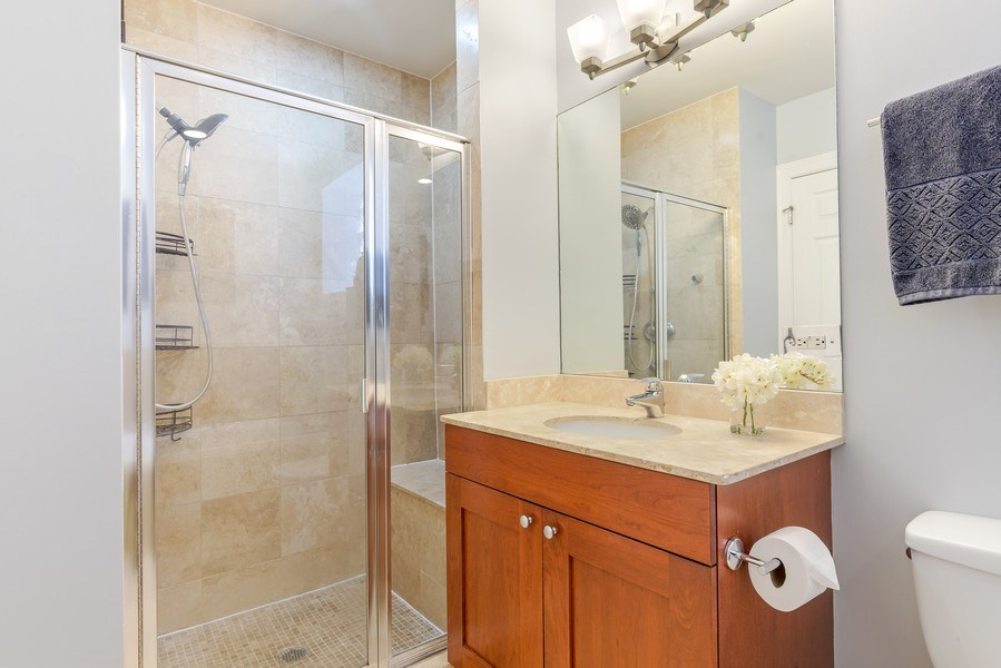 Real Estate Photography - 830 W Bradley Pl, Unit 1S, Chicago, IL, 60613 - Master Bathroom