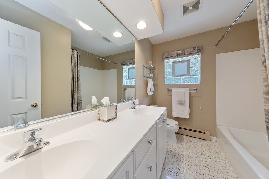 Real Estate Photography - 24 N Poplar Place, La Grange, IL, 60525 - Bathroom