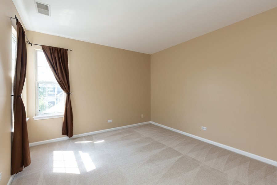 Real Estate Photography - 137 Polaris, Lake in the Hills, IL, 60156 - 2nd bedroom