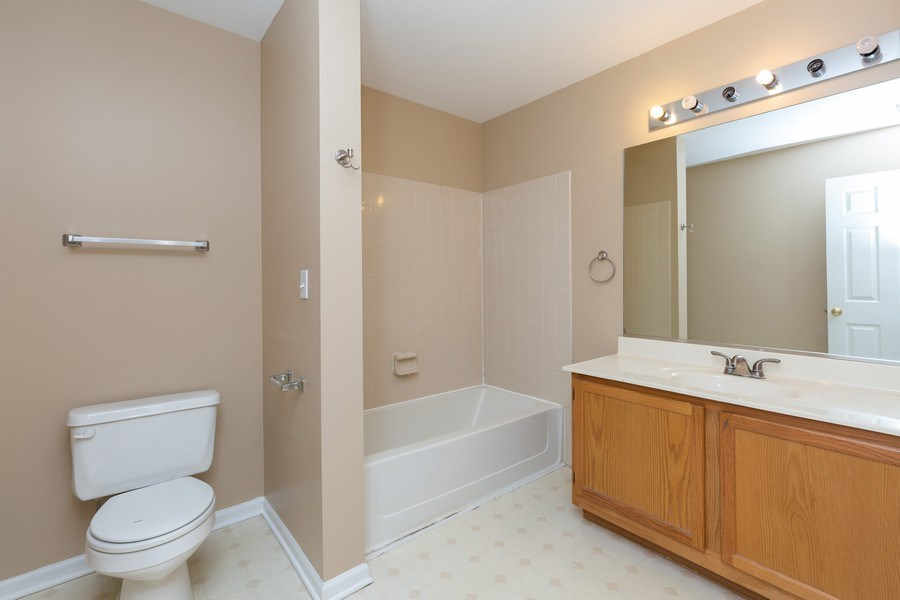 Real Estate Photography - 137 Polaris, Lake in the Hills, IL, 60156 - Bathroom