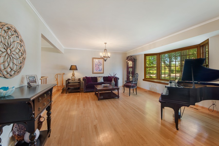 Real Estate Photography - 1431 N Haddow, Arlington Heights, IL, 60004 - Living Room