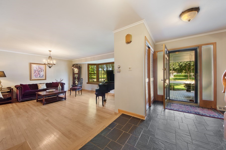 Real Estate Photography - 1431 N Haddow, Arlington Heights, IL, 60004 - Foyer/Living Room