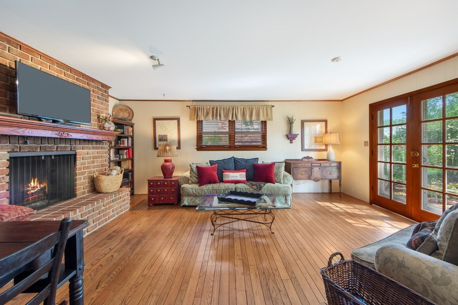 Real Estate Photography - 1431 N Haddow, Arlington Heights, IL, 60004 - Family Room
