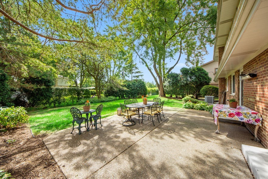 Real Estate Photography - 1431 N Haddow, Arlington Heights, IL, 60004 - Patio
