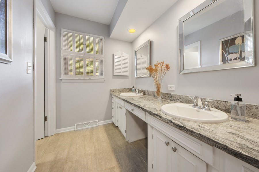 Real Estate Photography - 1431 N Haddow, Arlington Heights, IL, 60004 - 2nd Bathroom
