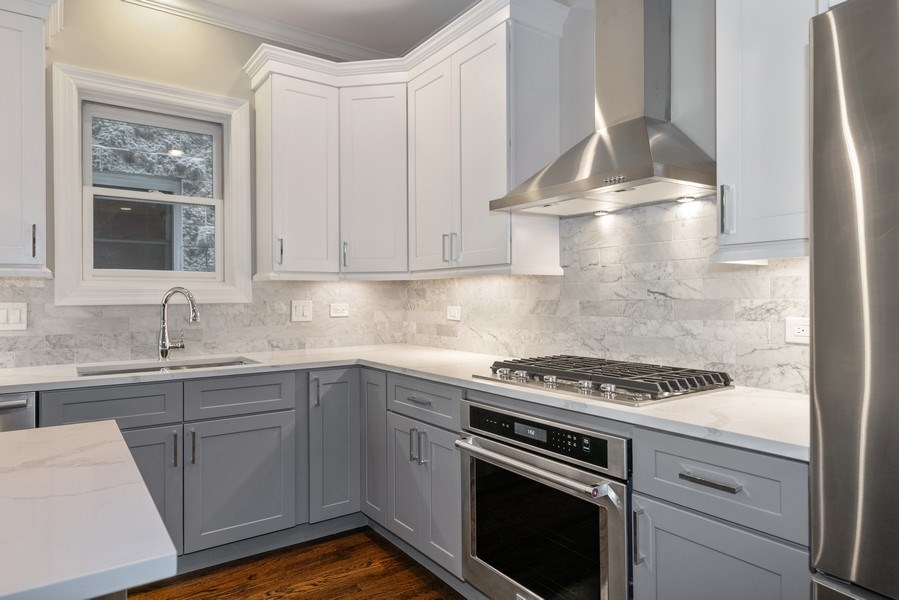 Real Estate Photography - 620 N May St, 1A, Chicago, IL, 60642 - Kitchen