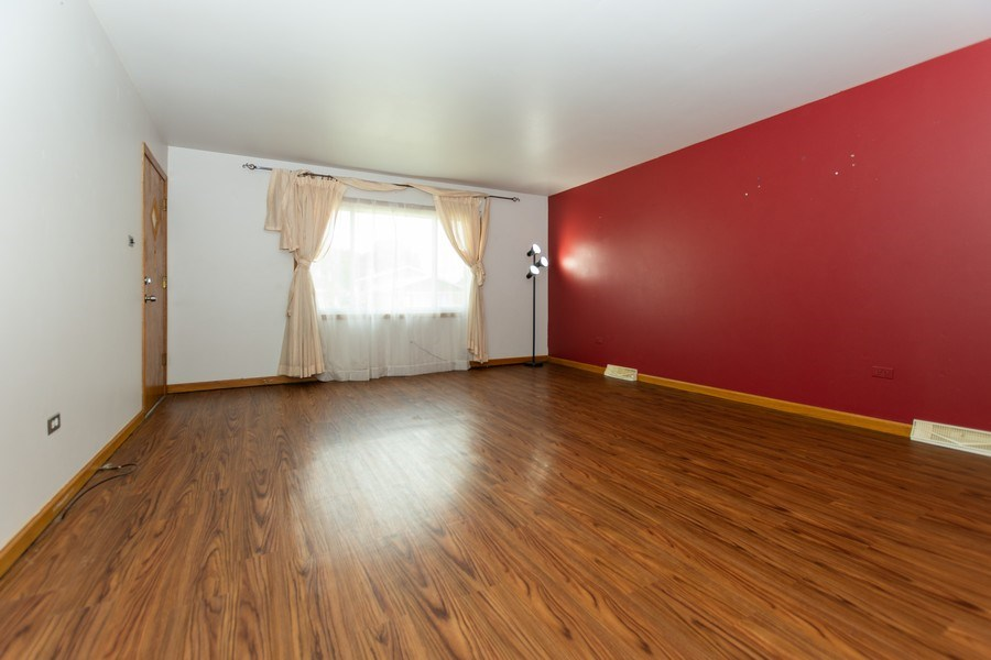 Real Estate Photography - 3433 W 125th St, Alsip, IL, 60803 - Living Room