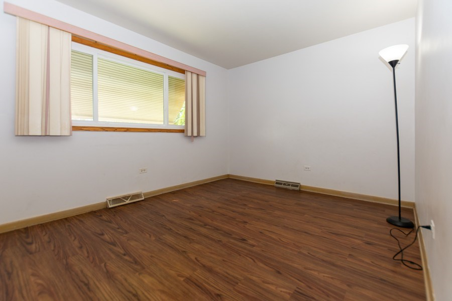 Real Estate Photography - 3433 W 125th St, Alsip, IL, 60803 - 2nd Bedroom
