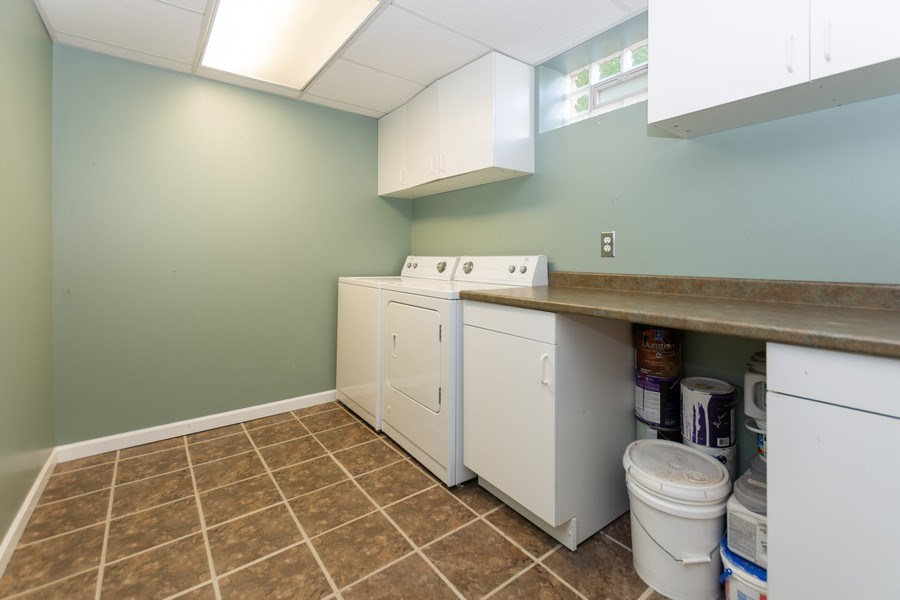 Real Estate Photography - 3433 W 125th St, Alsip, IL, 60803 - Laundry Room