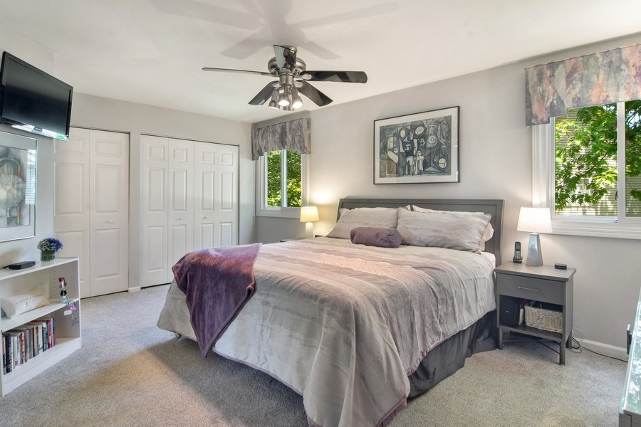 Real Estate Photography - 60 CHESTNUT TERRACE, BUFFALO GROVE, IL, 60089 - Master Bedroom