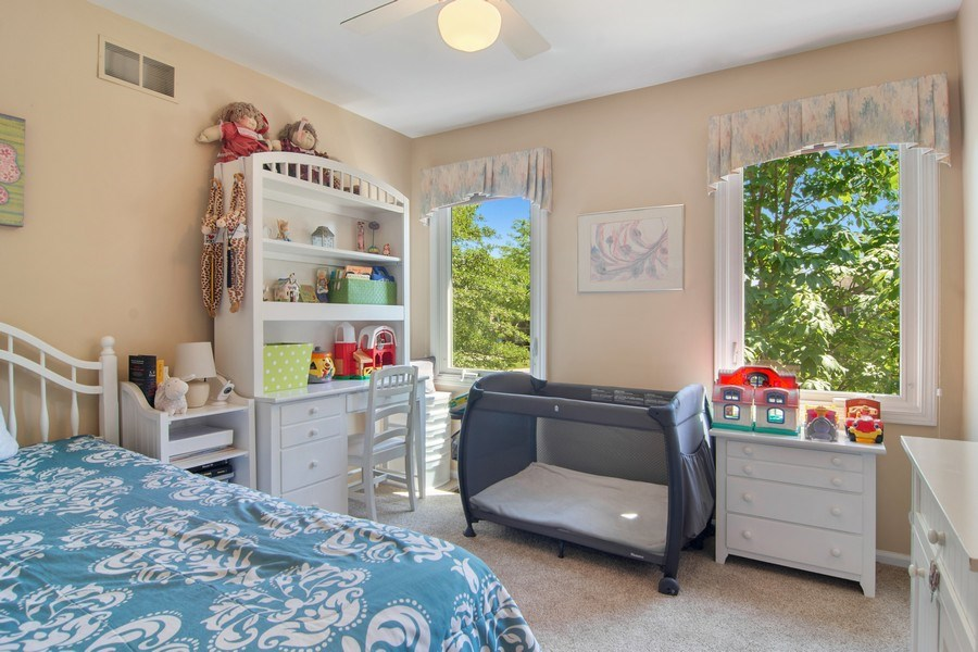Real Estate Photography - 60 CHESTNUT TERRACE, BUFFALO GROVE, IL, 60089 - 3rd Bedroom