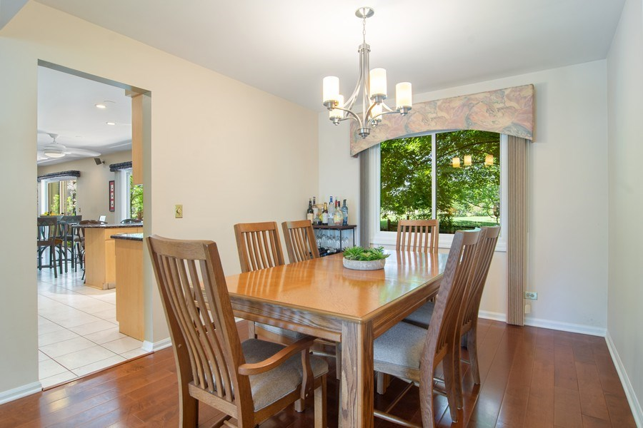 Real Estate Photography - 60 CHESTNUT TERRACE, BUFFALO GROVE, IL, 60089 - Dining Room
