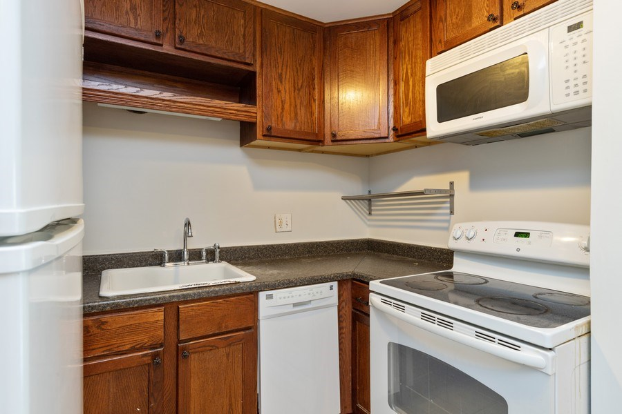 Real Estate Photography - 310 Lathrop Ave, Forest Park, IL, 60130 - Kitchen