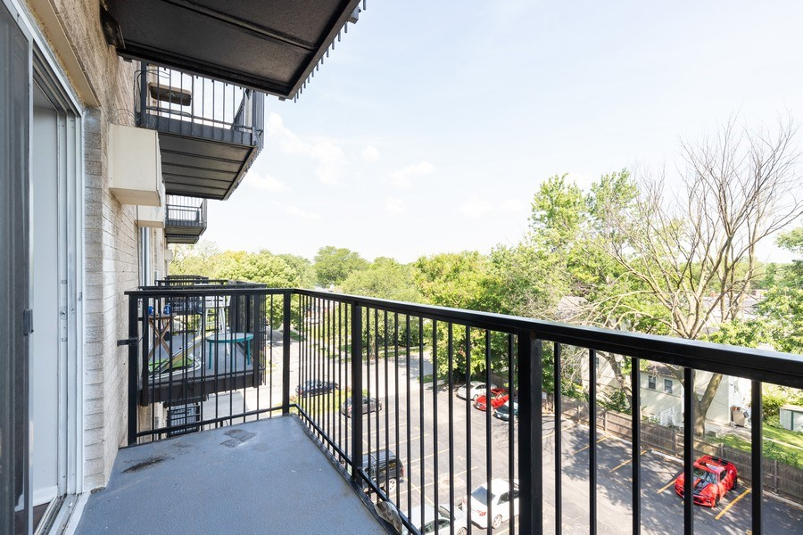 Real Estate Photography - 310 Lathrop Ave, Forest Park, IL, 60130 - Deck